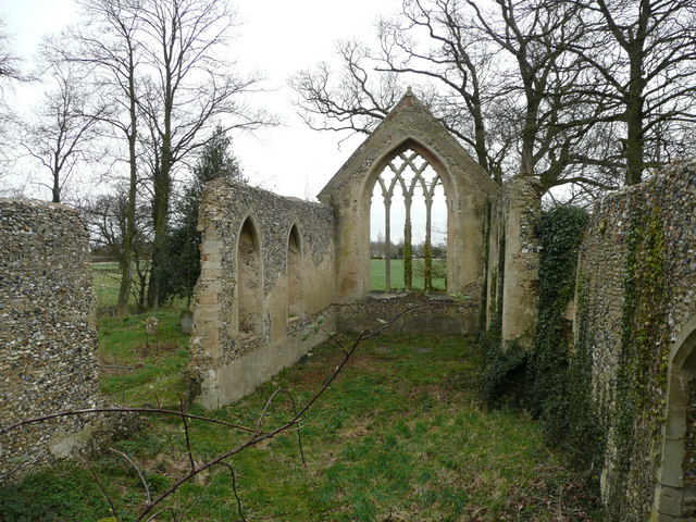Tivetshall_St._Mary_church_ruin_2_-_geograph.org.uk_-_741711